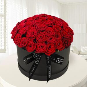 Grand Gesture - Luxury Red Roses - Roses in a Hat Box - Luxury Flowers - Luxury Roses - Hat Box Flowers